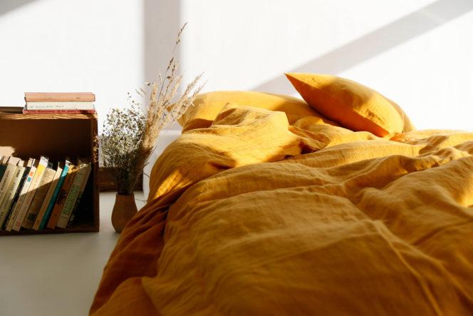 Poszewka na kołdrę w kolorze musztardowym z lnu