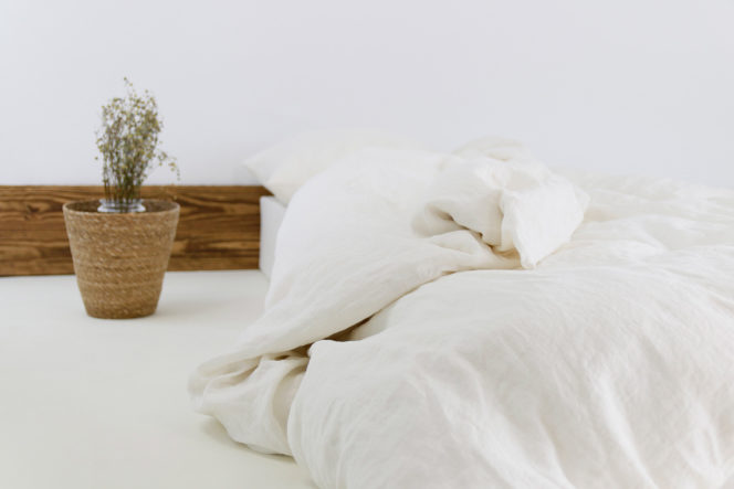 Mleczno-biała poszewka na kołdrę