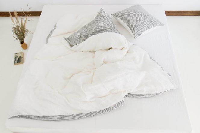 Poszewka na kołdrę w paski mleczno-biała z lnu