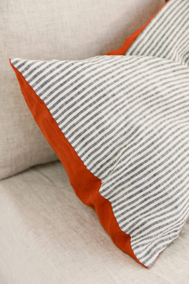 Lniana poszewka na poduszkę ceglana w paski