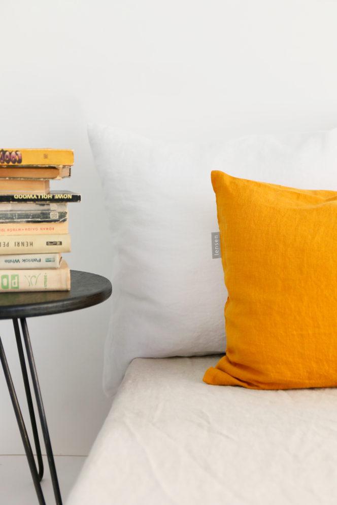 Musztardowa poszewka na poduszkę