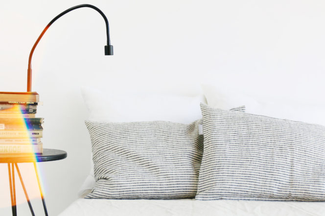 Lniana poszewka na poduszkę w paski