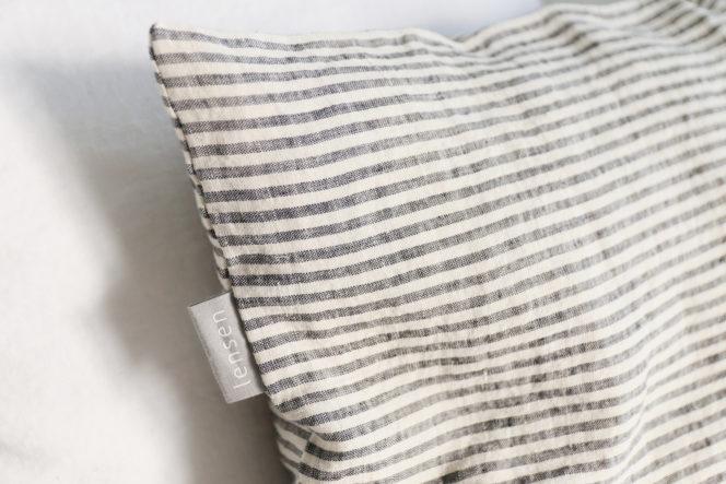Poszewka na poduszkę w paski