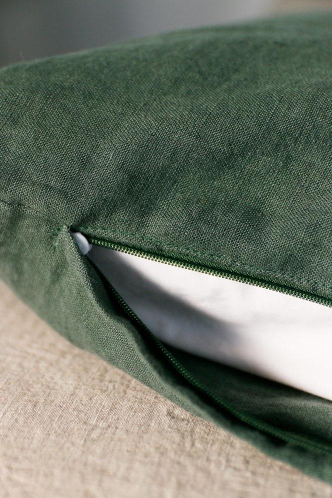 Poszewka na poduszkę w kolorze dolarowa zieleń z lnu