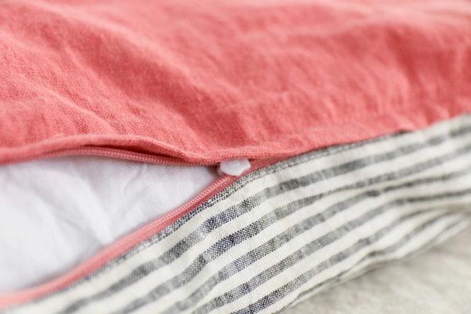 Poszewka na poduszkę dusty rose w paski
