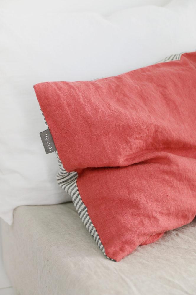 Poszewka na poduszkę w paski dusty rose