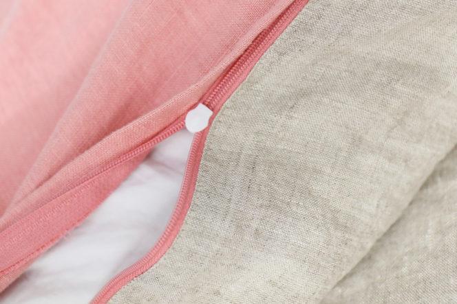 Poszewka na poduszkę koloru jasnoróżowego